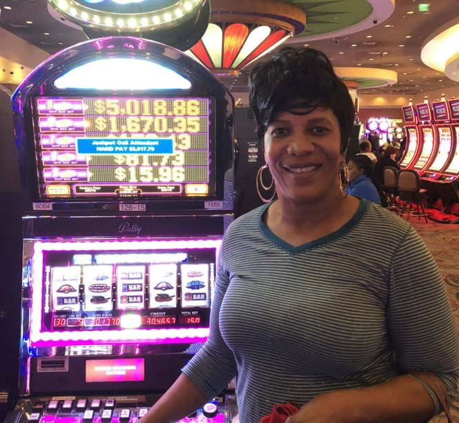 Jackpot Winner Patsie Finlayson smiling